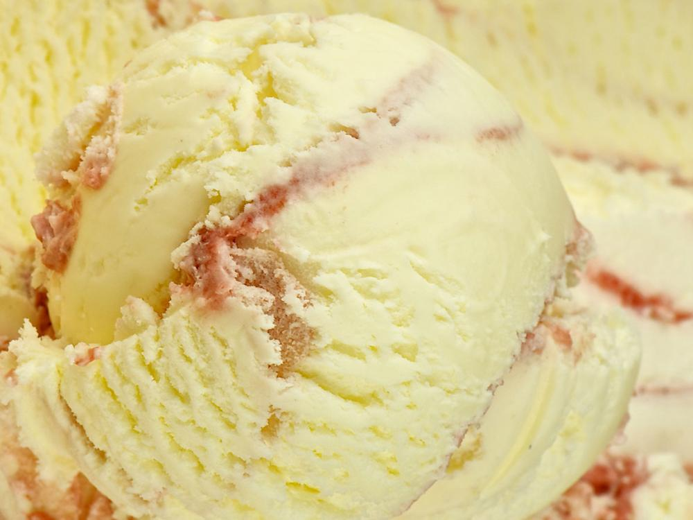 strawberries and cream ice cream